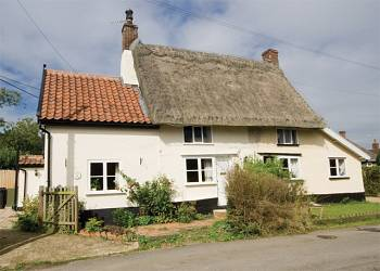 Rent Hunny Pot Holiday Cottage Near Bungay