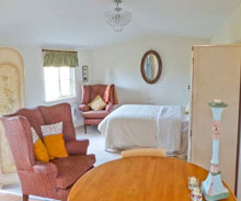 Stay-Truffle-Lodge-Holiday-Cottage-Bungay